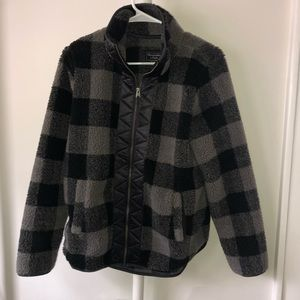 A&F Gingham Fleece Gray and Black Small